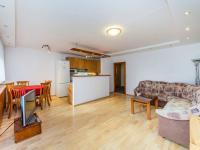 Obývací pokoj (Prodej bytu 4+kk v osobním vlastnictví 76 m², Praha 5 - Stodůlky)