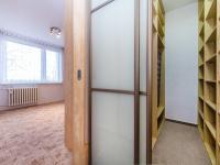 Šatna (Prodej bytu 4+kk v osobním vlastnictví 76 m², Praha 5 - Stodůlky)