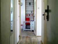 průhled vstup do bytu (Pronájem bytu 3+1 v družstevním vlastnictví 67 m², Praha 4 - Podolí)