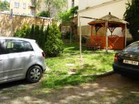 klidný vnitroblok (Pronájem bytu 3+1 v družstevním vlastnictví 67 m², Praha 4 - Podolí)