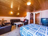 3NP (Prodej domu v osobním vlastnictví 200 m², Divišov)