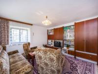 Obývací pokoj 1NP (Prodej domu v osobním vlastnictví 200 m², Divišov)