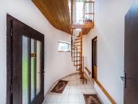 Zádveří (Prodej domu v osobním vlastnictví 200 m², Divišov)