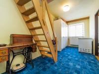 Schody do 3NP (Prodej domu v osobním vlastnictví 200 m², Divišov)
