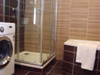 koupelna  (Pronájem bytu 3+1 v osobním vlastnictví 125 m², Praha 5 - Hlubočepy)
