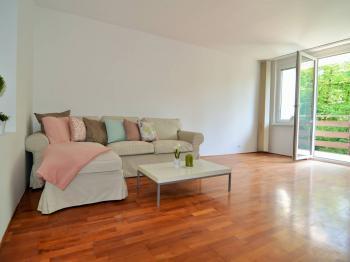 obývací pokoj 23 m² - Prodej bytu 3+1 v osobním vlastnictví 72 m², Praha 4 - Hodkovičky