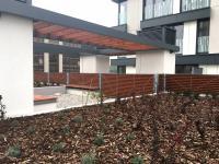 Společná terasa (Pronájem bytu 1+kk v osobním vlastnictví 33 m², Praha 3 - Žižkov)