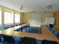 Školicí místnost - Prodej hotelu 1206 m², Strenice