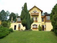 Prodej hotelu 1206 m², Strenice