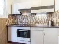 kuchyňská linka (Pronájem domu v osobním vlastnictví 75 m², Praha 5 - Velká Chuchle)