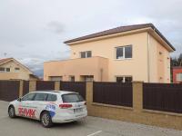 Pronájem domu v osobním vlastnictví 200 m², Praha 5 - Řeporyje