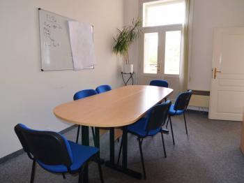 zasedačka - Pronájem kancelářských prostor 22 m², Praha 5 - Smíchov