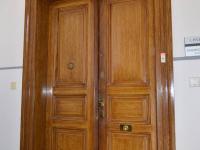 hlavní dveře - Pronájem kancelářských prostor 22 m², Praha 5 - Smíchov