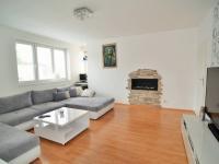 Prodej domu v osobním vlastnictví 196 m², Praha 9 - Hostavice