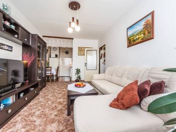 Obývací pokoj - Prodej bytu 2+kk v osobním vlastnictví 45 m², Praha 5 - Stodůlky