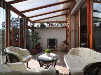 zimní zahrada - Prodej bytu 2+kk v osobním vlastnictví 61 m², Praha 5 - Zbraslav