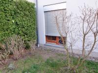 okno do ložnice - Prodej bytu 2+kk v osobním vlastnictví 61 m², Praha 5 - Zbraslav