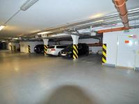 garážové stání  - Prodej bytu 2+kk v osobním vlastnictví 61 m², Praha 5 - Zbraslav