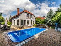 Prodej domu v osobním vlastnictví, 268 m2, Hostivice