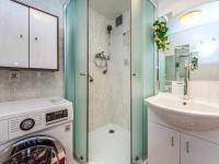 Koupelna - Prodej bytu 3+1 v osobním vlastnictví 70 m², Pardubice