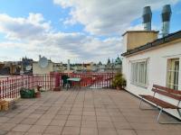 Společná terasa - Prodej bytu 2+1 v osobním vlastnictví 75 m², Praha 1 - Staré Město