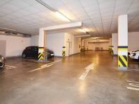 Společné garáže - Prodej bytu 3+kk v osobním vlastnictví 124 m², Praha 5 - Stodůlky