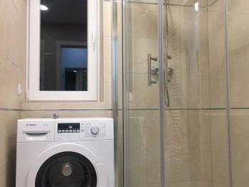 Koupelna - Pronájem bytu 1+kk v osobním vlastnictví 31 m², Praha 5 - Zličín