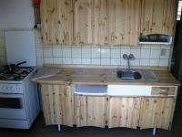 kuchyňská linka s nádobím - Pronájem bytu 3+1 v družstevním vlastnictví 67 m², Praha 4 - Podolí