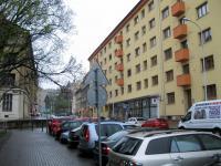 pohled z ulice - Pronájem bytu 3+1 v družstevním vlastnictví 67 m², Praha 4 - Podolí