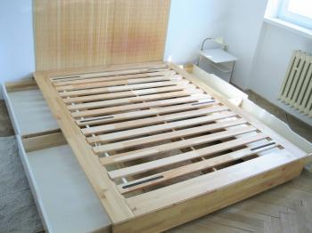 úložné prostory pod postelí - Pronájem bytu 3+1 v družstevním vlastnictví 67 m², Praha 4 - Podolí