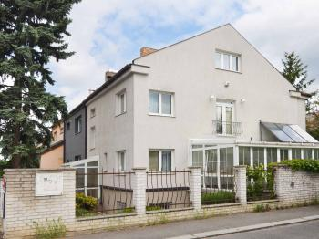 Prodej domu v osobním vlastnictví 220 m², Praha 10 - Benice