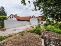 Prosluněná a prostorná zahrada domu - Prodej domu v osobním vlastnictví 196 m², Lhota u Příbramě