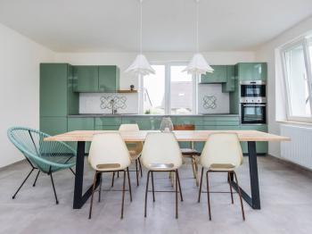 Kuchyně +obývací pokoj - Prodej domu v osobním vlastnictví 196 m², Lhota u Příbramě