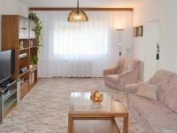 Obývací pokoj (Prodej domu v osobním vlastnictví 348 m², Silůvky)
