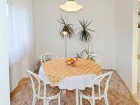 Jídelna (Prodej domu v osobním vlastnictví 348 m², Silůvky)