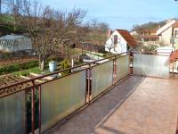 Balkon z  kuchyně v  podkroví (Prodej domu v osobním vlastnictví 348 m², Silůvky)