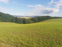 Prodej pozemku 22225 m², Zlámanec