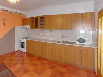 Kuchyně - Prodej domu v osobním vlastnictví 180 m², Slavkov