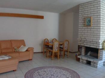 Obývací pokoj - Prodej domu v osobním vlastnictví 140 m², Zděchov