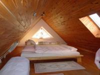Podkroví - Prodej domu v osobním vlastnictví 140 m², Zděchov