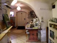 Chodba (Prodej domu v osobním vlastnictví 685 m², Kryštofovo Údolí)