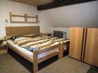 pokoj v podkroví (Prodej chaty / chalupy 290 m², Slunečná)