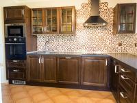 kuchyň (Prodej domu v osobním vlastnictví 218 m², Doksy)