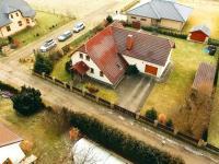 výškový pohled na dům (Prodej domu v osobním vlastnictví 218 m², Doksy)