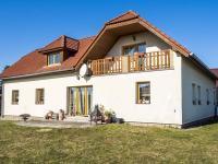 pohled ze zahrady (Prodej domu v osobním vlastnictví 218 m², Doksy)