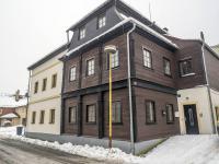 pohled na dům (Pronájem komerčního objektu 93 m², Nový Bor)