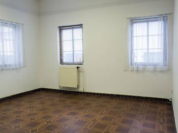 menší kancelář - Pronájem komerčního objektu 93 m², Nový Bor