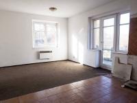 obývací pokoj s kuchyňským koutem v patře - Prodej domu v osobním vlastnictví 250 m², Hamr na Jezeře