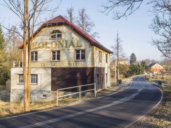 pohled na dům - Prodej domu v osobním vlastnictví 250 m², Hamr na Jezeře