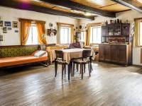 světnice - Prodej domu v osobním vlastnictví 250 m², Mařenice